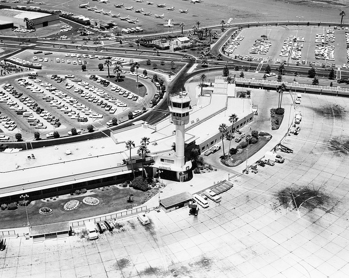 This is an overhead picture of Terminal 1 in the 1950s.