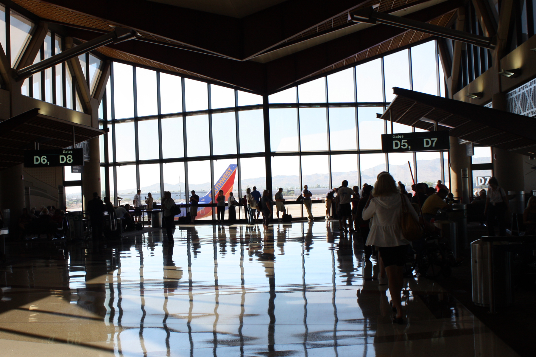 Fly anywhere in the world from Sky Harbor International Airport.